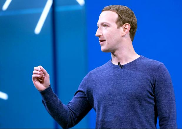Mark Zuckerberg isi pierde din popularitate